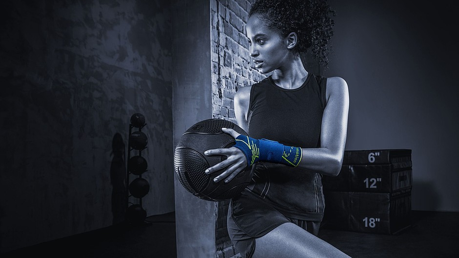 E+motion manumed wrist supports from medi Crossfit